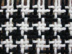 a knit and crochet community - beautiful houndstooth woven fabric Loom Yarn, Peg Loom, Loom Weaving, Tapestry Weaving, Loom Knitting, Hand Weaving, Tie Dye Crafts, Yarn Crafts, Broderie Bargello