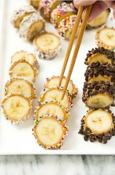 Banana sushi takes 5 minutes to make start to finish and make a great healthy snack or dessert (or breakfast in a pinch!) for your whole crew. snacks, Banana sushi takes 5 minutes Sushi Recipes, Baby Food Recipes, Snack Recipes, Kid Recipes, Easy Recipes For Kids, Kids Cooking Recipes, Banana Recipes For Kids, Cooking For Kids, Cooking Pork
