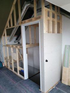 Small Attic Room, Attic Spaces, Attic Bedrooms, Basement Bedrooms, Stairway Storage, Easy Garage Storage, Attic Organization, Attic Closet, Sleeping Loft