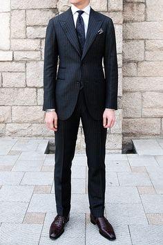 Suit : Vanni Shirt : Savile row Shoes : G&G Necktie : Tie your Tie… Dapper Gentleman, Gentleman Style, Dress Suits, Men Dress, Style Costume Homme, Mode Costume, Look Formal, Mens Fashion Suits, Men's Fashion