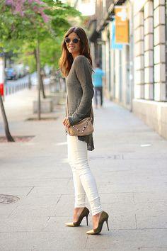 trendy_taste-look-outfit-street_style-ootd-blog-moda_españa-fashion_spain-vaqueros_rotos.nude_jeans-céline-sunnies-gafas_de_sol-mas34-caqui-knitwear-jersey_punto-oversize-11 by Trendy Taste, via Flickr