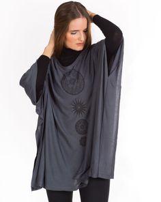 Lehké pončo Tabita – šedé s potiskem High Neck Dress, Tops, Dresses, Women, Fashion, Turtleneck Dress, Vestidos, Moda, Fashion Styles