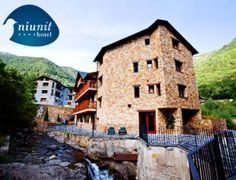 Regala y comparte amor: escapada a Andorra con estancia en Hotel Niunit 4*, desayuno, cena y Spa. ¡Precio para 2 y en el corazón del Pirineo!