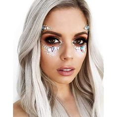 rhinestone eye makeup, Coachella makeup looks, festival make up, sparkly jewelry into your makeup look Glitter Makeup Looks, Glitter Make Up, Body Glitter, Glitter Hair, Glittery Nails, Glitter Eye, Glitter Uggs, What Is Coachella, Coachella Make-up
