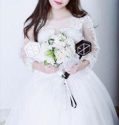 Lightstick Exo, Exo 12, Korea Fashion, Kpop Fashion, Kyungsoo, Chanyeol, Sailor Moon Wallpaper, We The Kings, Kim Min Seok