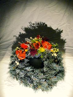 Věnec ze stříbrného smrku   Wreath made of silver spruce