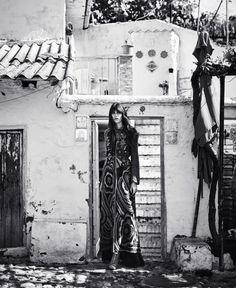 vanessa moody by nathaniel goldberg for us harper's bazaar august 2015 ((visual optimism)) Bohemian Fall Fashion, Bohemian Style, White Bohemian, Fashion Story, 80s Fashion, Fashion 2016, White Fashion, Fashion News, Fashion Art