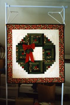 R's Christmas Wreath quilt