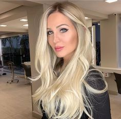 Image may contain: one or more people Blonde Hair Colour Shades, Hair Color, Cream Blonde Hair, Cabelo Ombre Hair, Rosa Hair, Balayage Blond, Hair Highlights, Hair Dos, Hair Designs