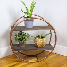 Check out our guide on how to build a hula hoop shelf. Easy on the eye and on DIY budgets, a hula hoop shelf is a storage option you should definitely consider. Diy Crafts For Home Decor, Diy Home Décor, Diy Decorations For Home, Home Decor Ideas, Wall Decor Crafts, Handmade Home Decor, Creation Deco, Diy Décoration, Diy On A Budget
