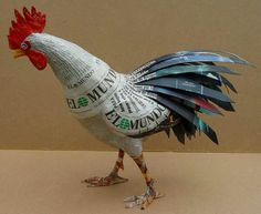 ideas for paper rooster Paper Mache Projects, Paper Mache Clay, Paper Mache Sculpture, Paper Mache Crafts, Bird Sculpture, Origami Paper, Diy Paper, Paper Art, Chicken Crafts