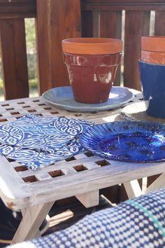 Sininen terassilla