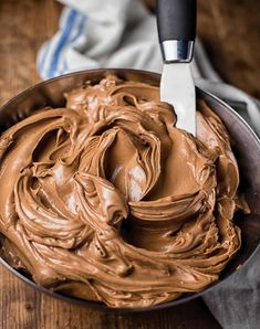 malted chocolate layer cake is the cake you've been waiting for! Simply the best! Frosting Recipes, Cake Recipes, Dessert Recipes, Chocolate Frosting, Chocolate Desserts, Chocolate Maltado, Just Desserts, Delicious Desserts, Mini Cakes