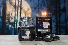 Os presentamos la fragancia más apetecible para esta época del año. Midsummer´s Night es una aroma masculino que embriagará tus noches de verano. No te dejará indiferente.  http://www.velasdeolor.es/yankee-candle/124-midsummers-night