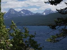 Best Easy Hikes in Glacier National Park