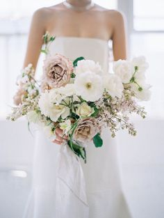 dusty blush and white bridal bouquets bridal bouquets fall, bridal bouquets ideas, bridal flowers, bridal bouquets themed wedding, bridal bouquets wedding Modern Minimalist Wedding, Blush Bouquet, Spring Bouquet, Wedding Flower Inspiration, Bride Bouquets, Flower Bouquets, Bouquet Wedding, White Bridal Bouquets, Purple Bouquets