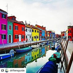 #Repost @driftersguide with @repostapp  Spent a day island hopping around Venice. These are the colorful houses of charming Burano Island... #travel #burano #weloveitalyxp #driftersguidetotheplanet - on tour with @italyxp