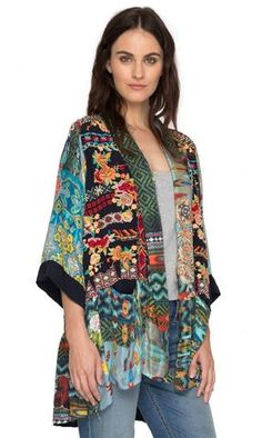 If you are looking for a statement piece this Fall, look no further than the Koben Canvas Embroidered Kimono by Johnny Was. Classic Johnny Was embroidered is mi Unique Fashion, New Fashion, Boho Fashion, Bohemian Look, Boho Chic, Johnny Was Clothing, Traditional Kimono, Kimono Jacket, Casual
