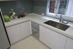 廚具 - Google 搜尋 Kitchen Cabinets, Google, Home Decor, Decoration Home, Room Decor, Cabinets, Home Interior Design, Dressers, Home Decoration
