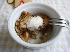 Apple-Pear Cinnamon Crumble (Paleo, gluten-free) | Perchance to Cook...