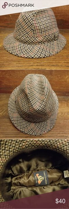 Men s wool trilby hat Italian made houndstooth wool trilby hat in  impeccable condition. The pattern cd48d4a12250