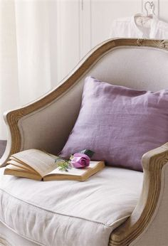 Decorate Neutral Interiors With A Delicate Touch Of Color - decoration,wood,wood working,furniture,decorating Lavender Cottage, Rose Cottage, Malva, Sofa, Shades Of Purple, Shabby Chic Furniture, Beautiful Homes, Beautiful Interiors, Sweet Home