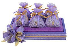 Centro de mesa para fiesta de XV años, Despachador de dulces morado