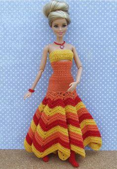 Irresistible Crochet a Doll Ideas. Wonderfully Creative Crochet a Doll Ideas. Knitting Dolls Clothes, Crochet Barbie Clothes, Cute Crochet, Beautiful Crochet, Crochet Toys, Barbie Patterns, Dress Patterns, Fashion Dolls, Fashion Outfits