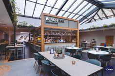HEKKER Interieurbouw - NH Leeuwenhorst - TOOKO – Inspiratie voor een exclusieve werkomgeving Gable Roof, Beach Bars, Conference Room, Restaurant, Architecture, Outdoor Decor, Table, Furniture, Home Decor