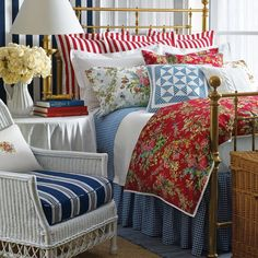 Great guest room! Red white and blue