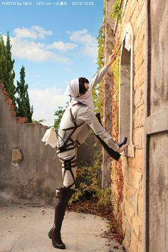Anime: Shingeki no Kyojin (Attack on Titan) Character: Levi  cosplay by ichinosehikaru - WorldCosplay