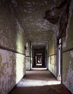 Abandoned hospital in Jersey City, New Jersey.  Photo by Carol Highsmith.