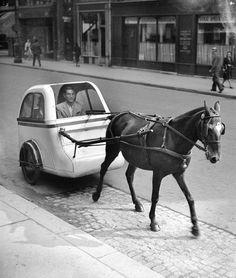 Circuler à Paris sous l'Occupation Voiture hippomobile 1943