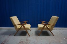 Mid-Century Lounge Chairs, 1960s, Set of 2 for sale at Pamono Lounge Chairs, Outdoor Chairs, Outdoor Furniture, Outdoor Decor, Couch And Chair Set, Mid Century Couch, Chairs For Sale, Scandinavian Modern, Mid Century Design