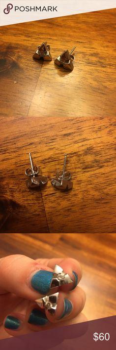 💟 NEW ITEM! 14k White Gold Earrings Accepting all reasonable offers! Macy's Jewelry Earrings