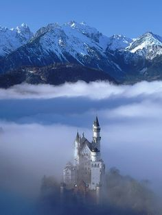 Awesome view of Neuschwanstein Castle, Germany