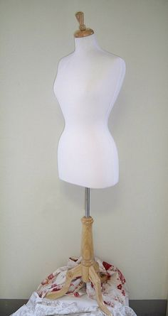 Really want one of these to put my favorite clothes on as art and decoration
