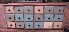 Online veilinghuis Catawiki: Vintage apothekerskast uit begin 1900