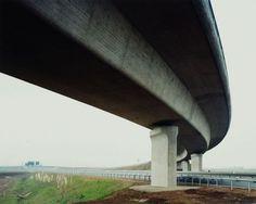 Hans-Christian Schink, A 9 / A 38, Autobahnkreuz Rippachtal (1), aus: VDE (Verkehrsprojekte Deutsche Einheit), 1998, C-Print/Diasec, 178 x 211 cm und 121 x 143 cm, Auflage 5 + 3