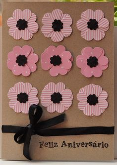 Easy heart flowers....the tutorial is in Spanish, though this is easy to follow and these are very cute!