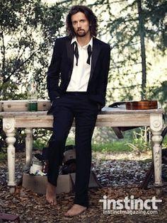 Jason Mraz, lookin' like Vedder.... I like :)