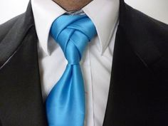 Animated How to Tie a Necktie Eldredge Knot