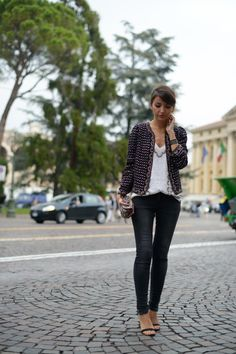 jacket: French Connection (au/w 14-15)  top: French Connection (au/w 14-15) jeans: Anine Bing sandals: Schutz clutch: Women´Secret