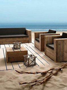 Pallet patio furniture diy instructions outdoor sofa ideas for 2019 Pallet Furniture, Furniture Making, Garden Furniture, Outdoor Furniture Sets, Outdoor Decor, Furniture Ideas, Outdoor Pallet, Coastal Furniture, Beach Furniture