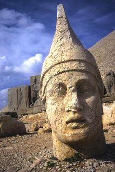 Giant statues of King Antiochus' tomb on Mount Nemrut | Kahta, Turkey (West Asia)