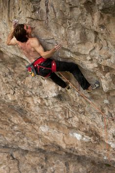 Daniel Woods on Bad Girls Club (9a), in Rifle, Colorado. (c) Eddie Gianelloni   http://www.eddiegianelloni.com