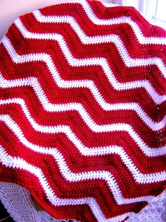 chevron zig zag baby blanket afghan wrap crochet wheelchair ripple stripes christmas valentine VANNA WHITE yarn red white made in the USA. $75,00, via Etsy.