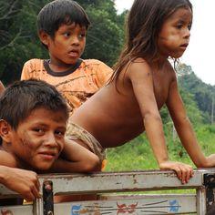 Какой язык из индейской семьи, на сегодняшний день более часто используется в Северной и Южной Америке? кечуа! Кечуа - язык, носителями которого является около 8-10 миллионов жителей Анд. На сегодняшний день, рядом с испанским, кечуа - официальный язык Боливии и Перу.