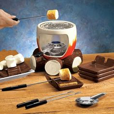 S'MORES MAKER COMPLETE SET (INCLUDES: SMORES MAKER, STEEL GRILL, FUEL HOLDER, FLAME SNUFFER, 4 FORKS AND 4 PLATES!): Amazon.com: Kitchen & Dining
