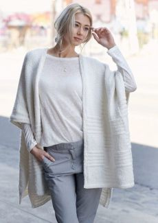 Best 5 Patons Australia Crochet Patterns easy chunky knit wrap patons australia knitting Source: website knitting pattern bubbles baby s. Easy Knitting Patterns, Loom Knitting, Vogue Knitting, Knitted Poncho, Knitted Shawls, Knit Wrap Pattern, Knitting Magazine, Lookbook, Shawls And Wraps